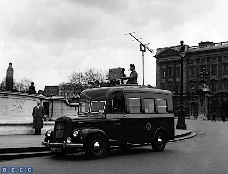RE1-At-Buckingham-Palace