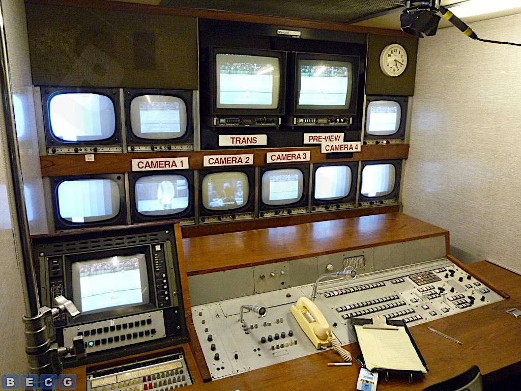 NUB327F-Production-Desk